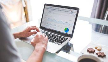"""Ni cuaderno ni Excel: lanzan una solución digital para """"ordenar"""" las cuentas de las pymes"""