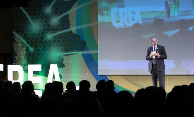 Alejandro Blacker, presidente de Aacrea, durante una conferencia ofrecida en el Congreso Tecnológico CREA