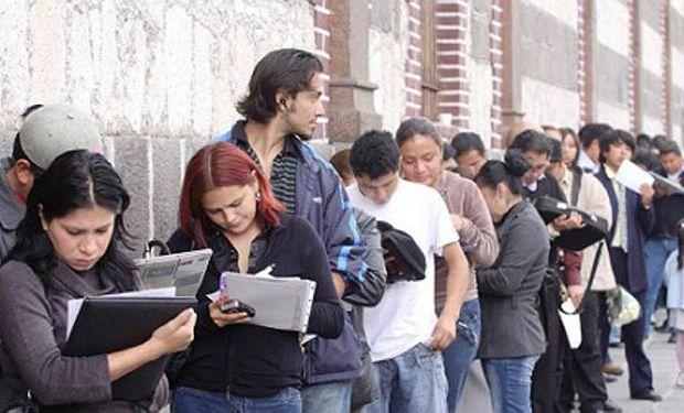 """Los desempleados se convirtieron en """"desalentados"""". Los jóvenes son quienes más sufren este desaliento en la actualidad."""