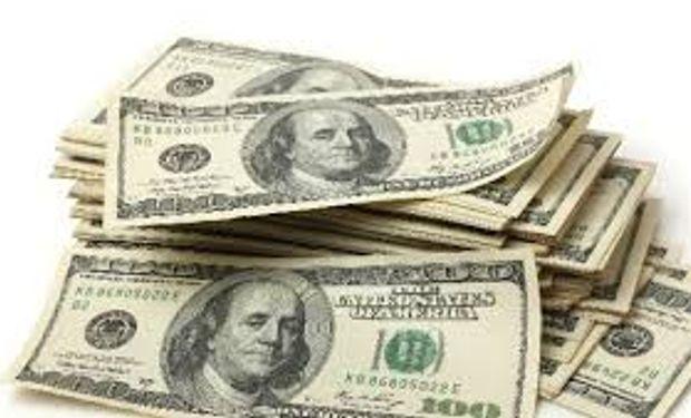 No se devolverá el impuesto a la compra de dólares hasta mitad de año