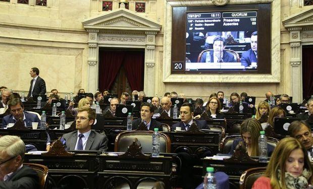 Cámara de diputados debate la reforma tributaria