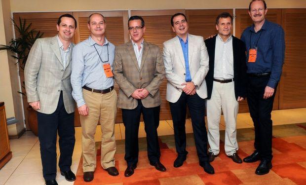 De izquierda a derecha: José I. Adriani, Sergio Rodrigues ( DuPont Brasil), Guillermo Fucci, Gustavo Parodi, Jorge Morre, David Tassara (DuPont Barsil).
