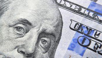 El dólar blue anotó otra suba y cerró en su valor más alto del año