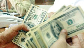 Rebota el dólar blue y sube 25 centavos a $ 10,80