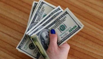 Dólar récord: el blue trepó hasta los $187 y la brecha volvió a superar el 90%