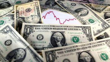 Sube el dólar blue y alcanza un máximo de 2021