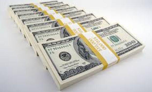 El titular del Banco Central había afirmado su intención de recortar la brecha entre el blue y el oficial.