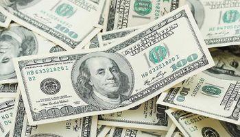 El dólar subió dos centavos en la semana a $ 15,42, tras un inicio con cambios bruscos