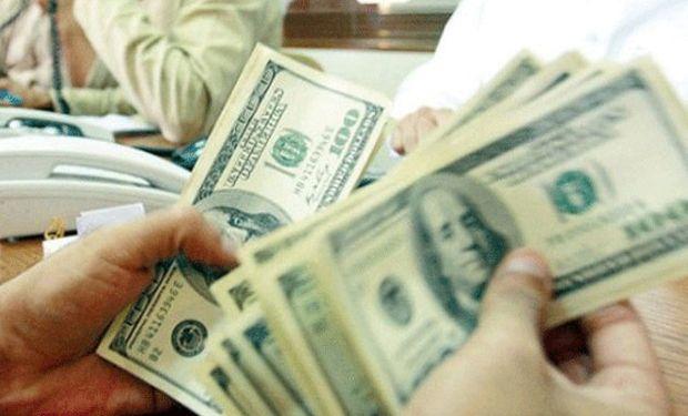 Los argentinos masivamente optaron por el dólar.