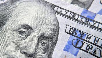 Baja el dólar tras las medidas del Gobierno sobre el mercado de cambios