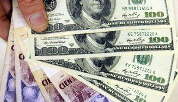 Sube el dólar blue y se acerca a su nivel más alto del año