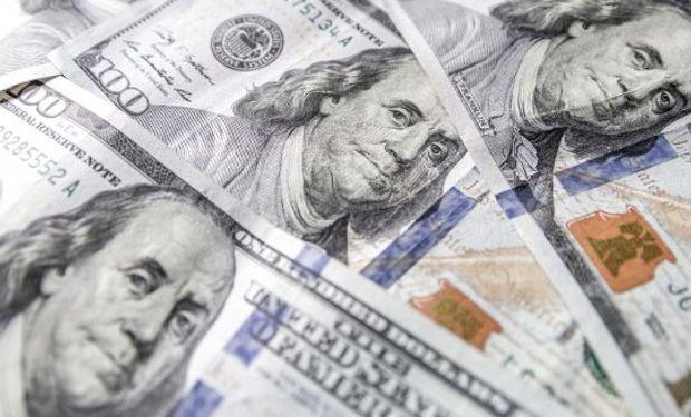 Dólar: el blue llegó a los $ 120 y la brecha con el oficial es del 81 %