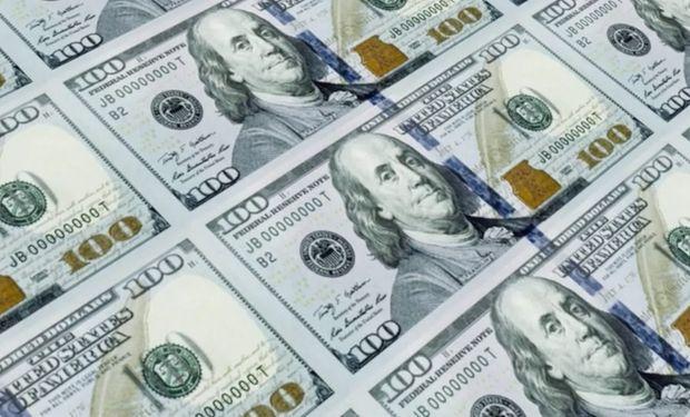 Dólar hoy: el blue cede a los $ 134 y en el Banco Nación el mayorista alcanza los $71,94