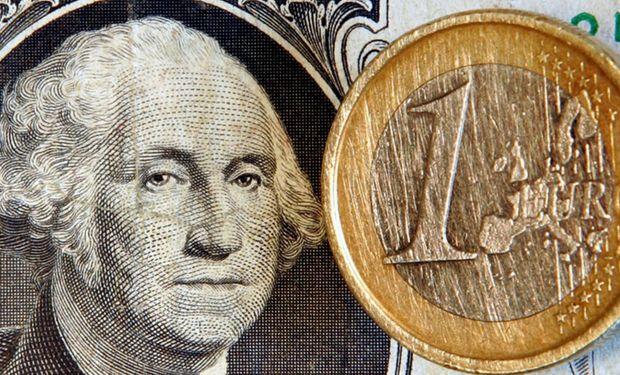 La divisa cambió de rumbo al aparecer ventas de la banca oficial.