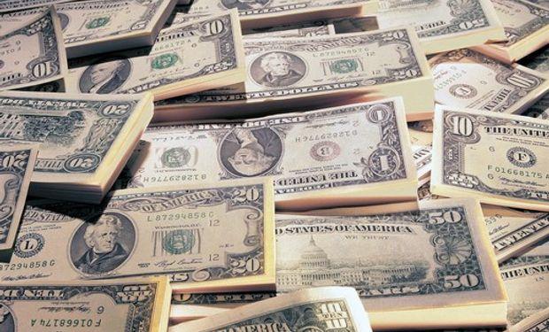 Los analistas creen que el Gobierno buscará así contener la inflación y la licuación del salario.