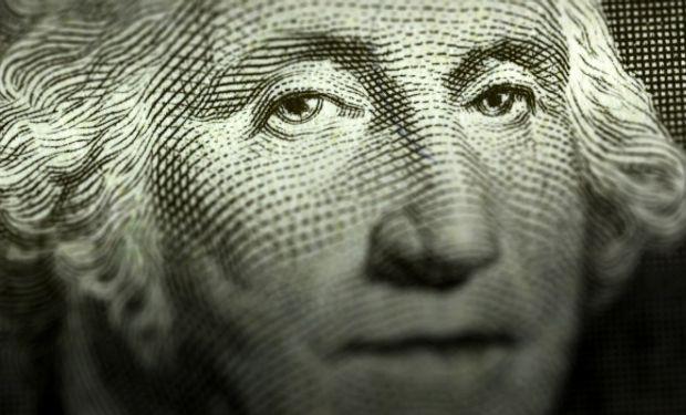 De confirmarse la tendencia que le imprimió el BCRA al mayorista en las primeras 10 ruedas del mes, septiembre terminaría siendo el mes en el que más subió el dólar en lo que va del año.