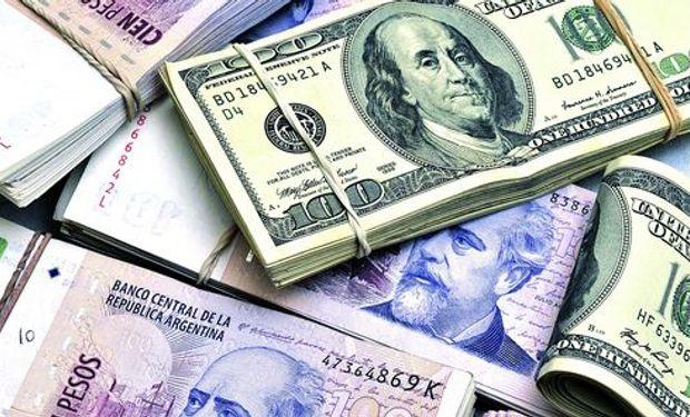 "El dólar ""blue"" ascendió ocho centavos, a $ 13,18."
