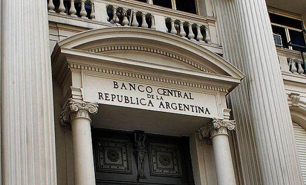 La intervención de la autoridad monetaria se dio en el marco de su política de flotación administrada del tipo de cambio.