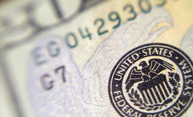 El dólar cayó por debajo de los $ 15.