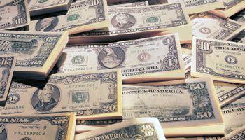 Caen fuerte dólar Bolsa, contado con liquidación y blue. El oficial bajó cuatro centavos a $ 7,85