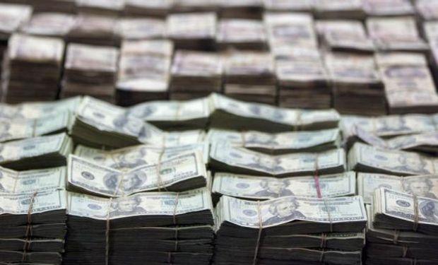 La entidad conducida por Alejandro Vanoli vendió u$s 30 millones para contener la suba de la divisa estadounidense y dejarla en $ 8,572.