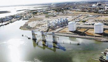 Dreyfus proyecta construir plantas de acopio junto al Belgrano Cargas