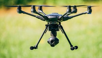 Lo último en drones agrícolas: autonomía, eficacia y autoaplicación
