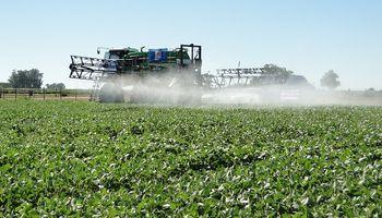 Francia: permiten la aplicación de fitosanitarios desde los 5 metros en zonas periurbanas