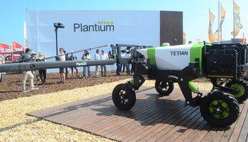 Un robot pulverizador revolucionó Expoagro