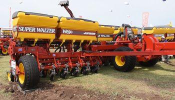 Super Walter lanza una sembradora para tractores de baja potencia