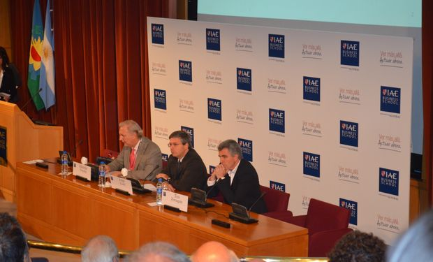 De izquierda a derecha: Eduardo Fracchia, Jorge Liotti y Teo Zorraquín