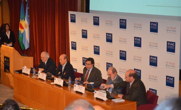 De izquierda a derecha: Alejandro Carrera (Moderador), Jorge La Roza, Alejandro Reca, Federico Braun y Gustavo Grobocopatel