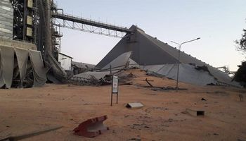 Bunge: las imágenes del derrumbe de un silo en Puerto General San Martín