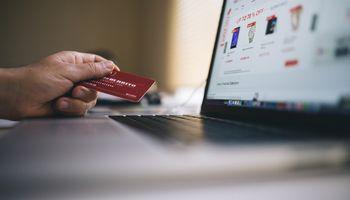 Las operaciones en el comercio electrónico crecieron un 47 % en el primer semestre