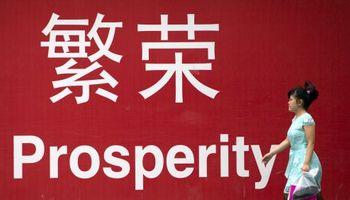 El empuje del sector servicios frena la caída de la economía china