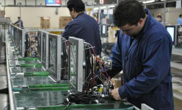 La economía creció 0,5 por ciento en 2014, tras avanzar 0,4 por ciento en el último cuatrimestre del año.
