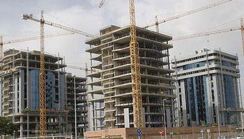 Las consultoras esperan suba de tarifas, mayor devaluación y desdoblamiento cambiario