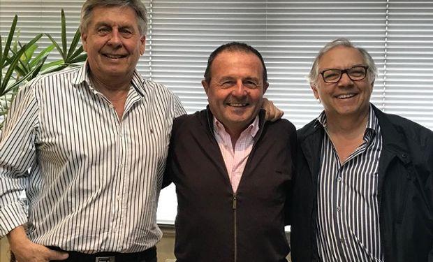 De izq. a der. Néstor Cestari, nuevo Presidente CAFMA, Raul Crucianelli, Presidente saliente, Marcelo Valfiorani, ex Presdiente.