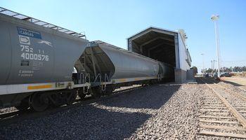 Ingresó el primer tren con granos a los puertos del Gran Rosario: se producirá un ahorro del 30 %