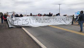 """Se multiplican las protestas de productores por el bloqueo de San Luis: """"Necesitamos trabajar"""""""