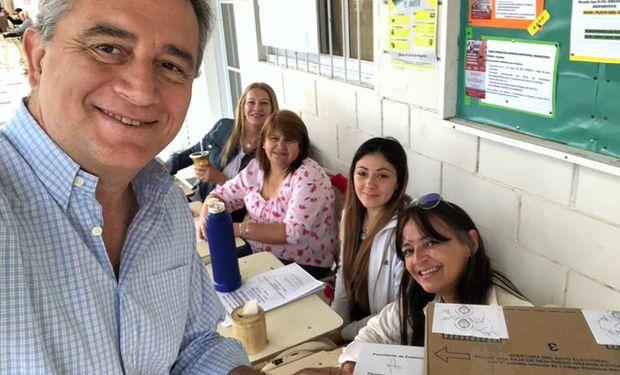 Etchevehere al votar ayer en Paraná, Entre Ríos.