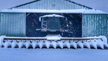 Imágenes: el atraso en la cosecha se combinó con nevadas tempranas en Estados Unidos