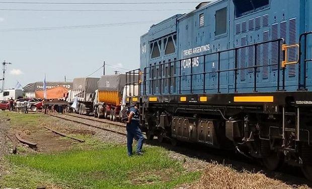 CATAC impidió el paso del tren.