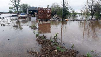 Estiman que 800 personas perdieron todo en Arroyo Seco