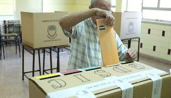 Santa Fe y Mendoza votaron en las PASO