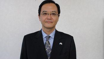 El embajador de Japón en Argentina, fascinado con una milanesa casera: tardó 6 horas en hacerla