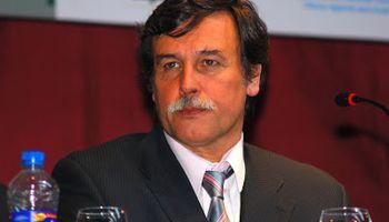 Héctor Espina asumió como nuevo director del INTA