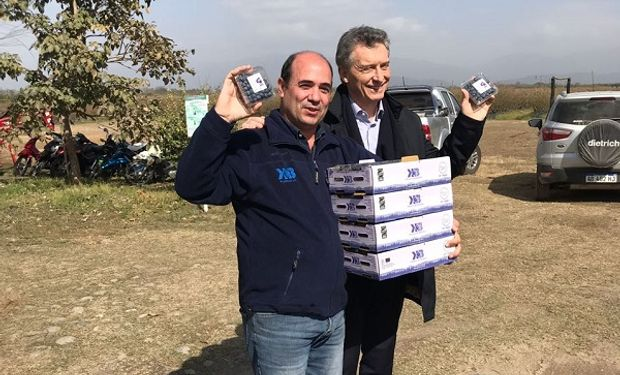 El presidente Macri junto a Estrada, productor.