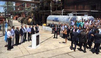 Macri anunció una suba del corte de etanol en las naftas