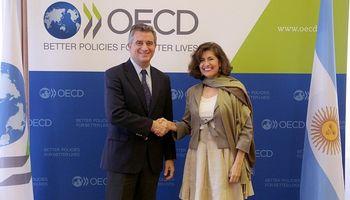 En París, Etchevehere se reunió con autoridades de la OCDE y la OIE